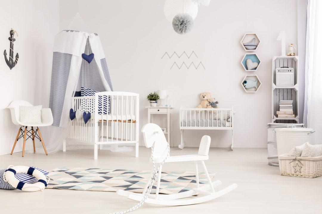 Kinderzimmereinrichtung für Jungen, Weiß und blau