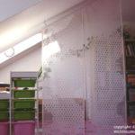 Dachschrägen: Stauraum und Wandschränke