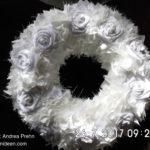 Schöne Blütendekorkränze für Wand und Tisch