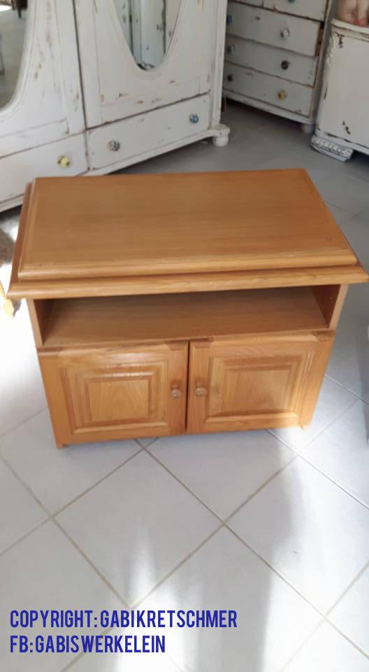 leider ist die farbgebung in buche schwierig zu kombinieren wenn die restlichen mobel nicht auch aus buchholz gearbeitet sind