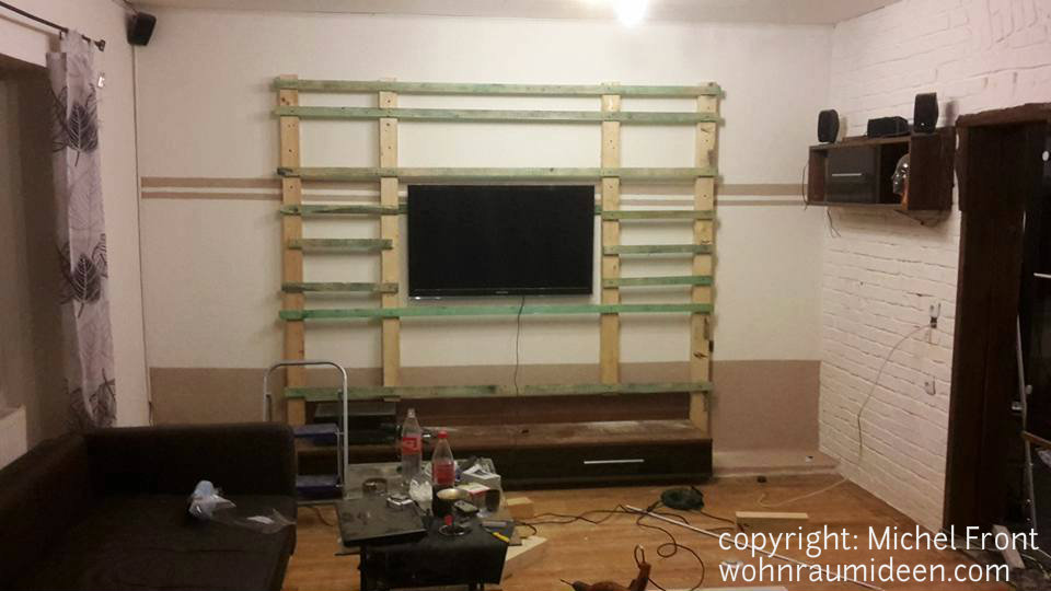 wand hinter fernseher tv kabel wand verstecken ihr traumhaus ideen das ergebnis der ganzen. Black Bedroom Furniture Sets. Home Design Ideas