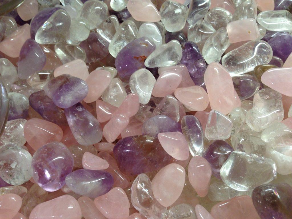 Amethyst, Rosenquarz, Bergkristall Mischung