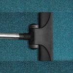 Teppiche reinigen – lieber professionell oder selbst?